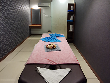 Couple massage in Kochi